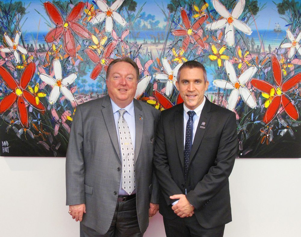 Minister-Elmes-with-David-Hart-01-11-2012